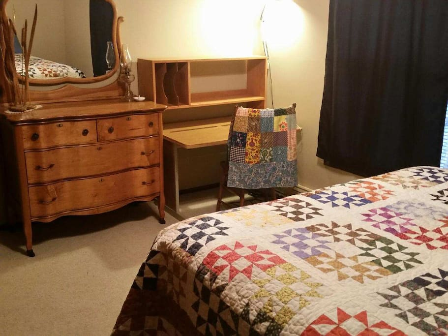 Bedroom #1 - Queen with work space