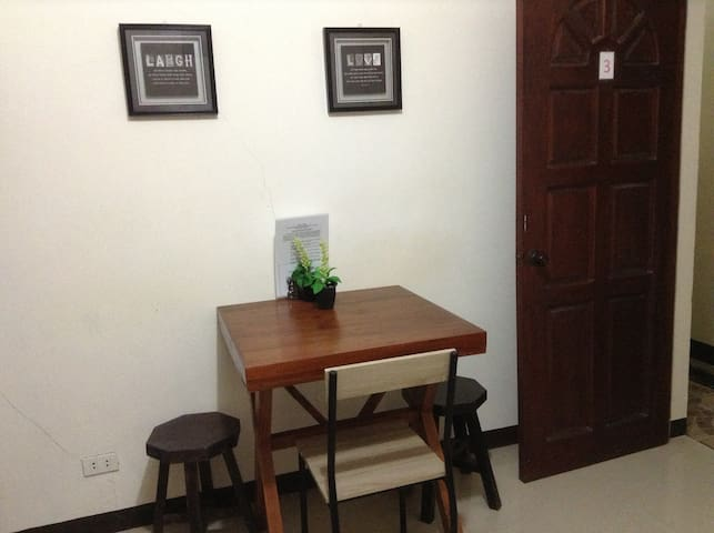 Ideal place for backpackers  near Station 2 - Malay - Apartament