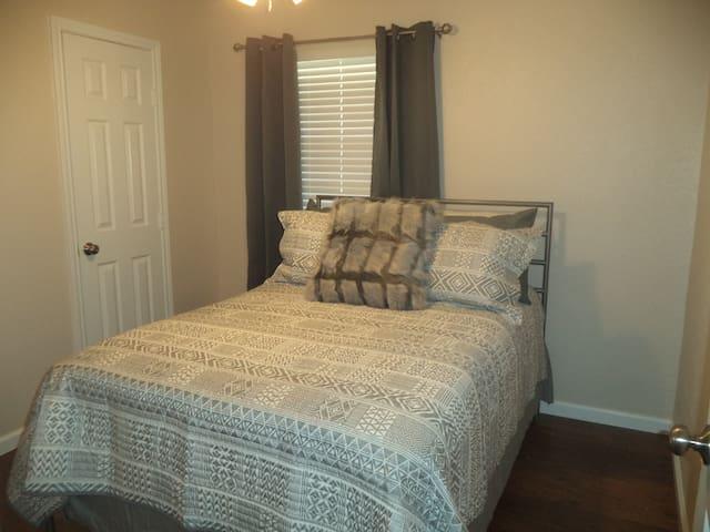 Bedroom 1 - Full Bed