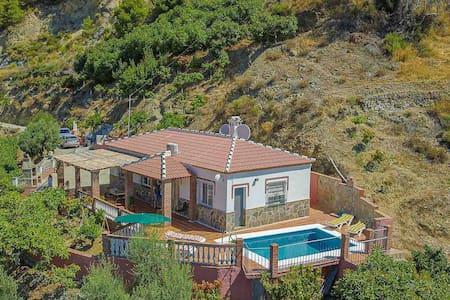 Villa with PRIVATE POOL in unique natural setting