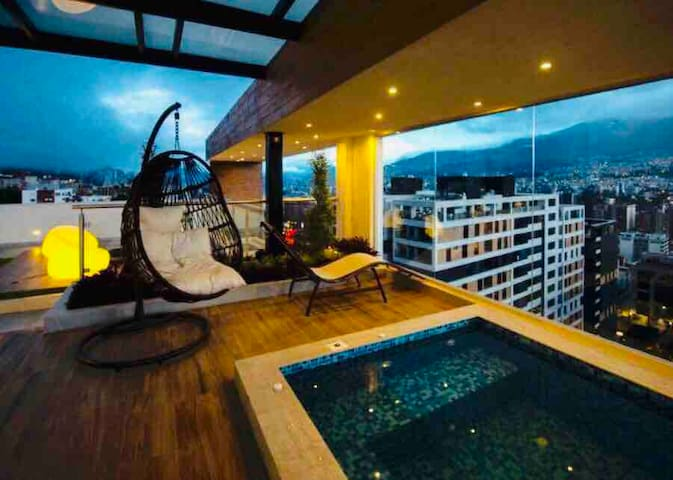 Luxury Suite in Quito. Jacuzzi, Sauna, Turco.