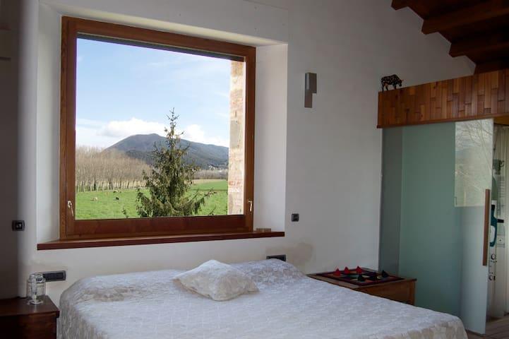 Mas La Plana, masia rural entera - จิโรน่า - บ้าน