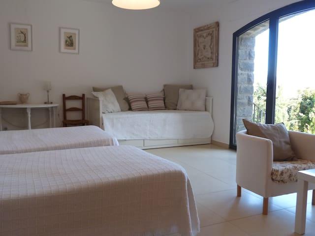 Espaciosa y bonita habitación, Pirineo Aragonés