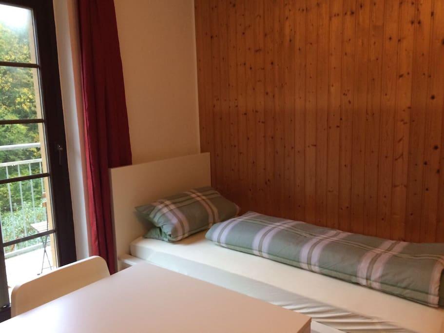 Eines der beiden Betten