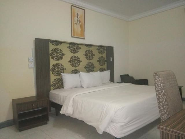 Peace Haven Hotel -Deluxe Room