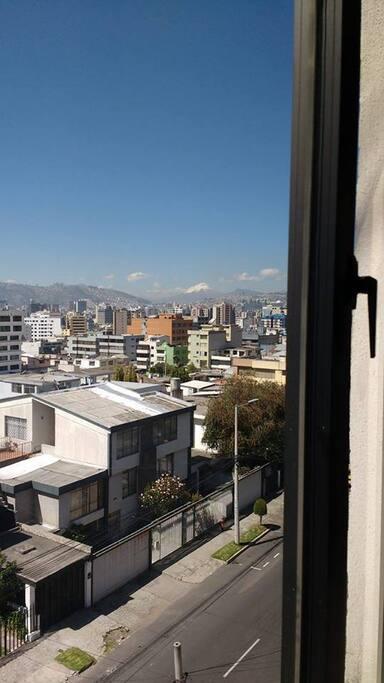 Desde la sala o del dormitorio puedes observar el volcán Cotopaxi