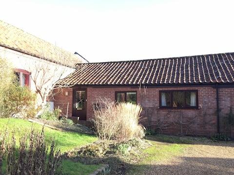 Swallow Barn, Erpingham