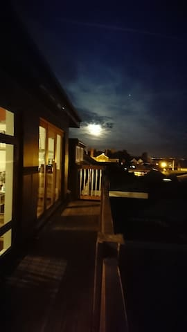 Lovely roof top experience in Penarth (Cardiff). - Penarth - Loft空間
