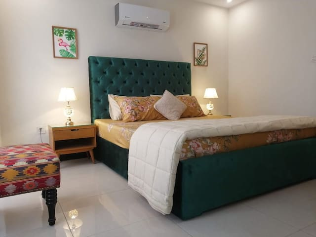 Brand new furnished appartement in behria town lhr