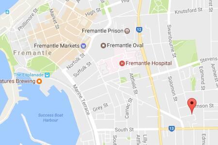 Fremantle Vibes - Queen Bed - Fremantle
