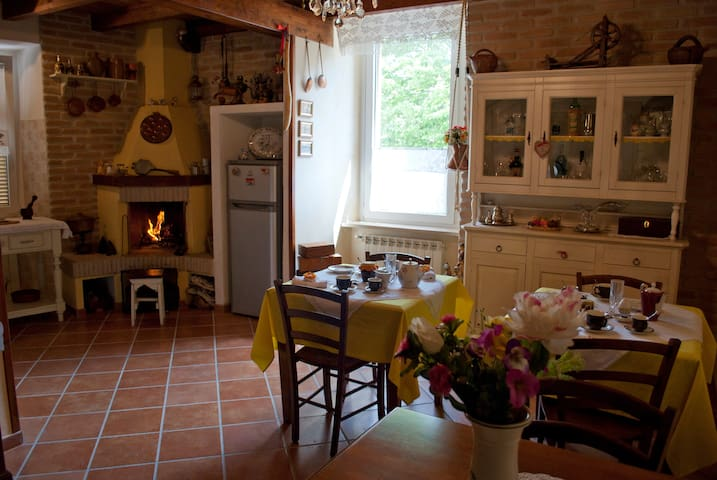 Matrimoniale in Antico Casolare del Borgo B&B - Bracciano - Bed & Breakfast