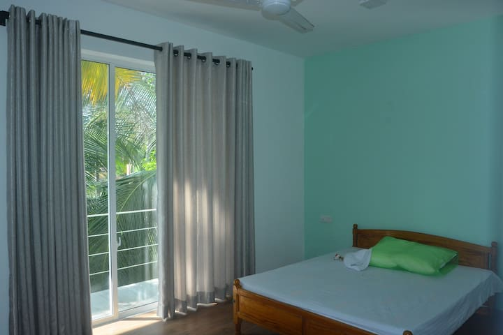 Luxury Room in Panadura, near Beach and Gall Road