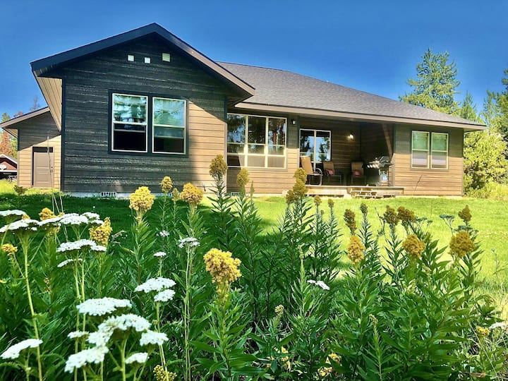 Modern Donnelly Cabin with Ample Parking, Close to Lake Cascade