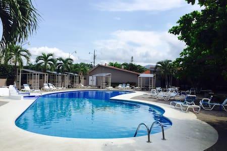 Beach Studio- best location in Jaco - Jaco - Cabin