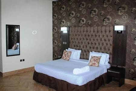 "My Disney Dream Lounge ""OAKLAND HOTEL"""