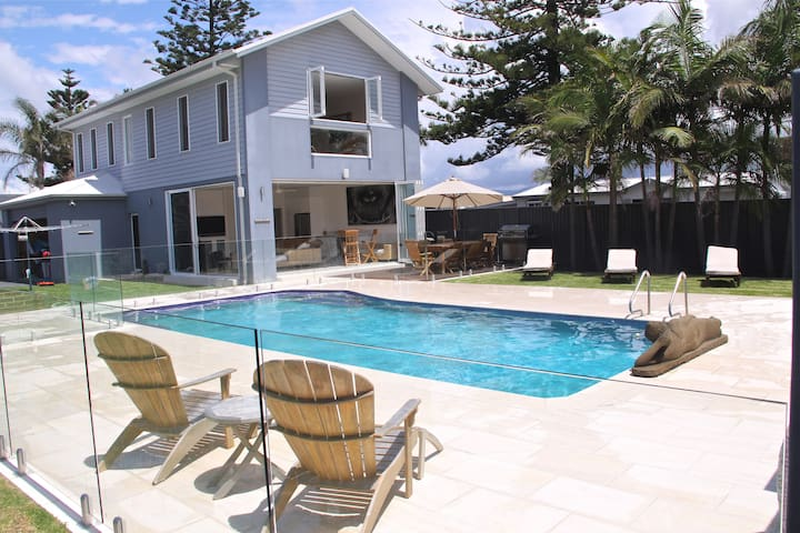 Beachside Bliss Well appointed townhouse-beachside