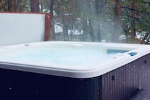 Gorgeous!  Close to everything Sparkling hot tub.