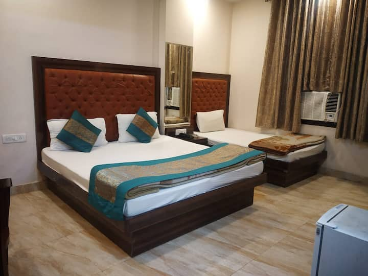 ADB Rooms Hotel Indo Continental
