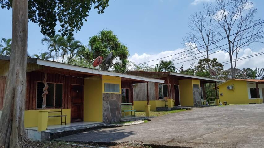 Naturaleza, Paz y Tranquilidad.Cabinas Iguana Azul