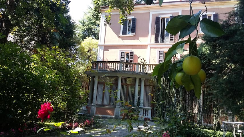 "B&B Villa Margherita - Camera ""Fior d'arancio"""