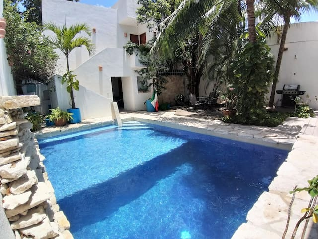 COMFORTABLE ROOM WITH POOL AND GARDEN IN COZUMEL