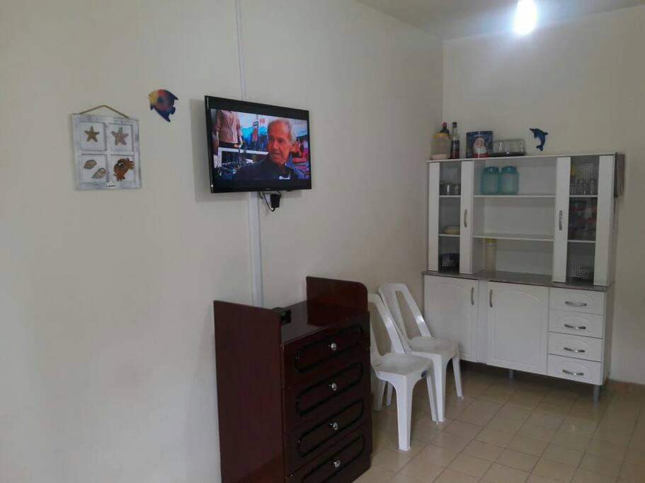 Sala com TV 32 polegadas