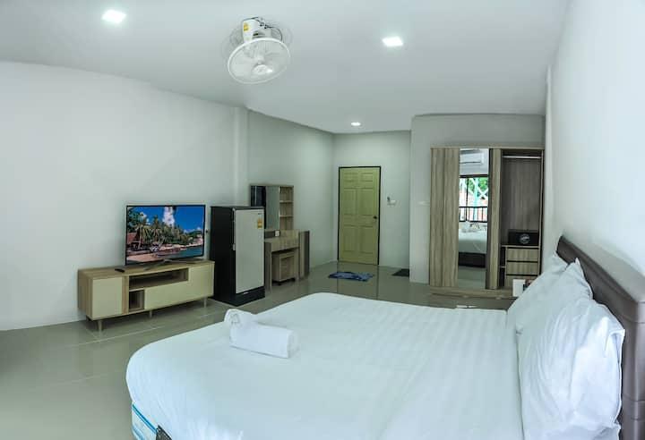 ★ Modern Studio w/ Balcony | Nangthong Beach