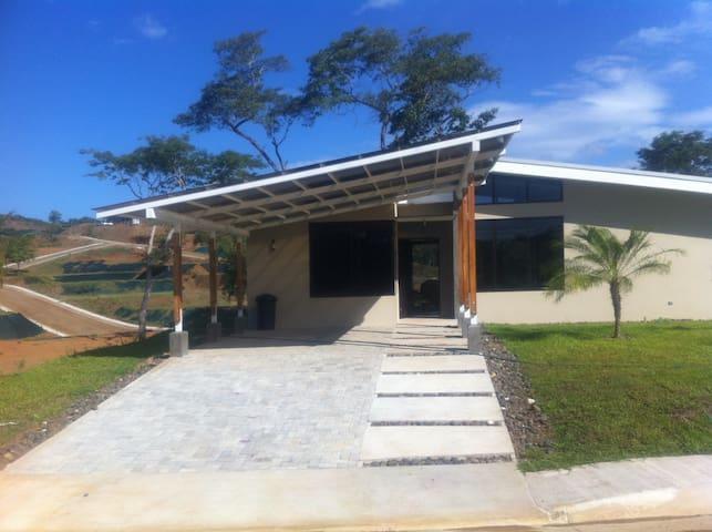 Casa en Condominio - Santa Cruz - Haus