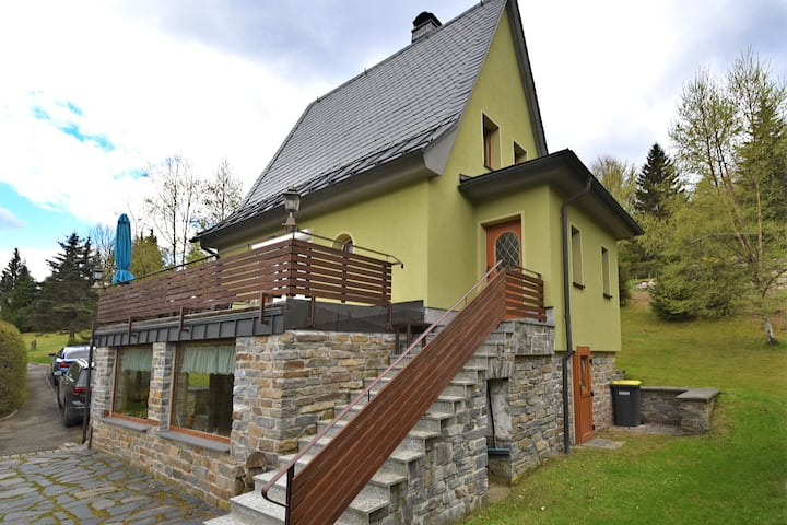 Cosy holiday home with sauna, terrace and garden in the Ore Mountains