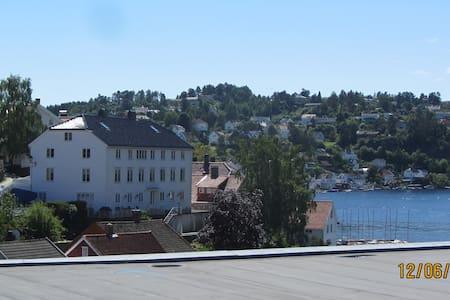 Arendalsuka - Liten leilighet sentralt i Arendal - Arendal
