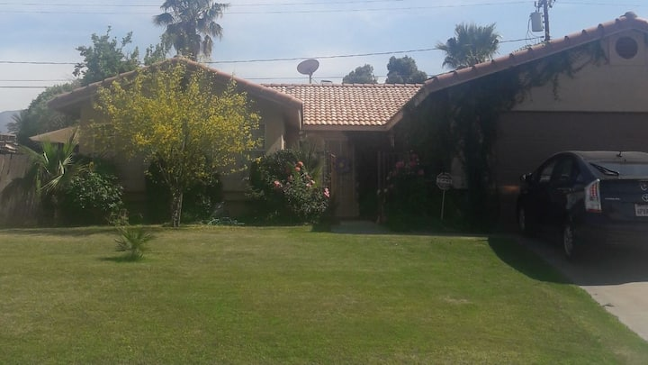 Location ... Location!! Palm Desert Home with Pool