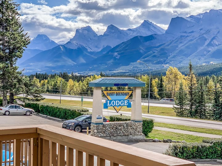 BBL - Mountain View  2 Bedroom Lodge - Family Only