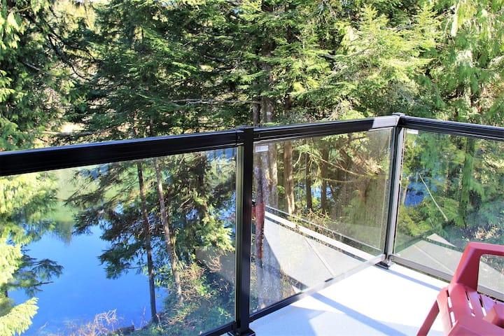 2 Bedroom Waterfront Cottage - Kingfisher Cottage