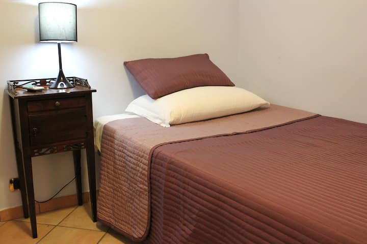 Rome To Stay Guesthouse (single room)