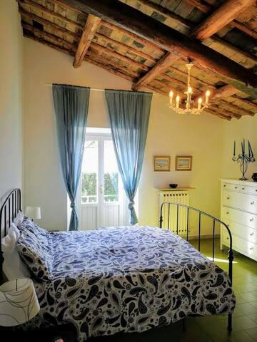 prima camera letto con balcone panoramico