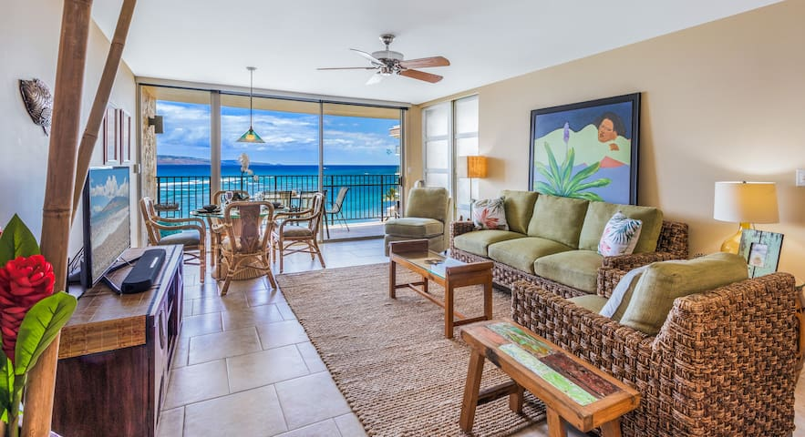 New On Site! Ocean Front w/ Private Lanai!