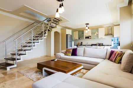 Kusadasi Duplex-Penthouse Apartment near the sea! - Kuşadası