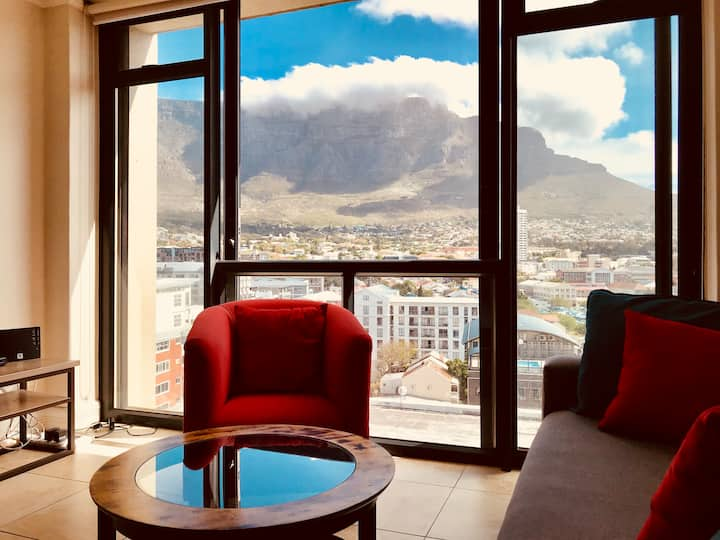Up in the clouds with Table Mountain. Rooftop pool