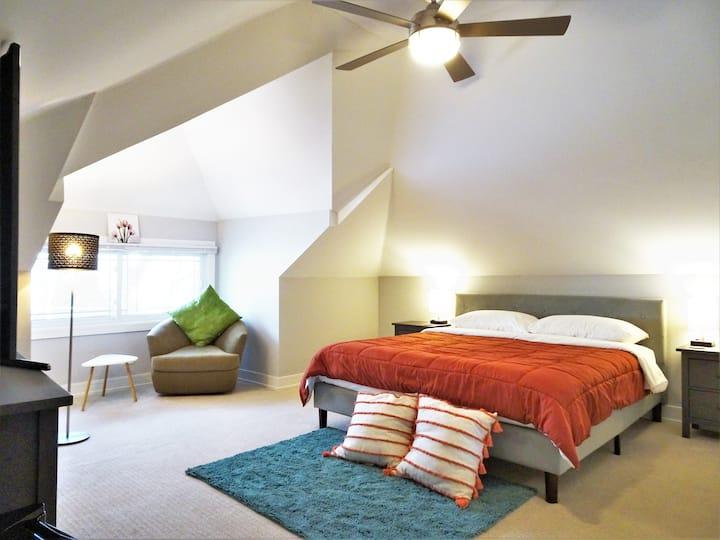 3B1 King Bedroom Near Chicago