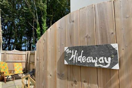 The Hideaway - Pet friendly, 3m to nearest beach