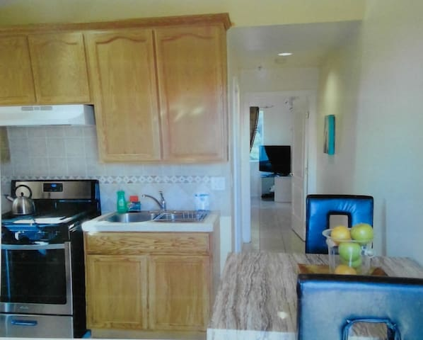 Private Apartment with Private Parking - Los Angeles - Apartemen