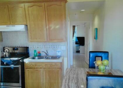 Private Apartment with Private Parking - Los Angeles - Apartment