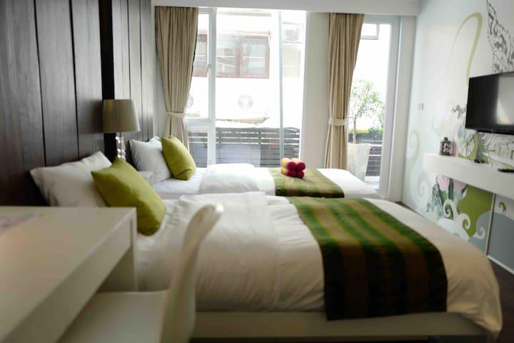Stylish Room with Terrace-5mins to Emquartier/BTS
