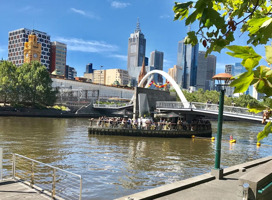 Bridge across the Yarra to floating restaurant and bar