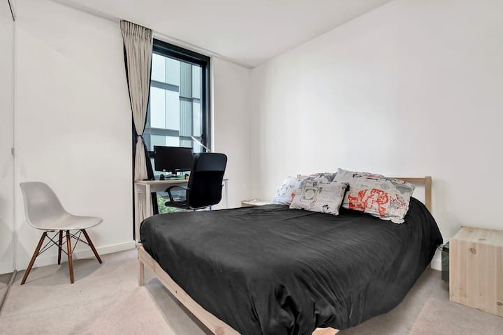 Private room in Docklands