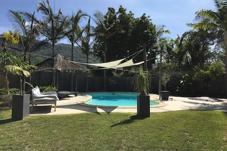 Villa de Charme avec Piscine - La Foa - Casa