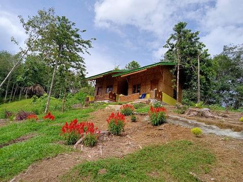 Casa de huéspedes con vista a Barus Hills