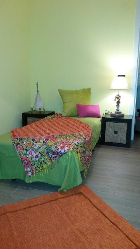 habitación individual con jardín