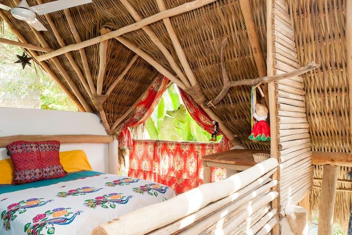el nido / the nest, Casa del Jardín - Sayulita - Bed & Breakfast