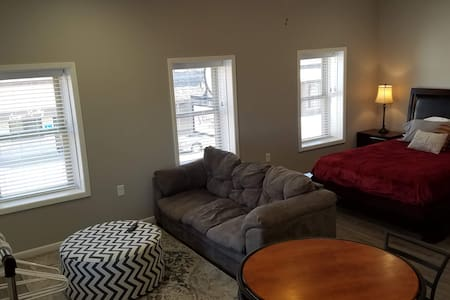 Remodeled downtown studio with remarkable views!